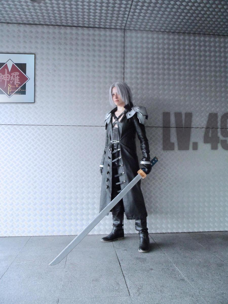 Sephiroth Cosplay by mmmhOmoshiroi