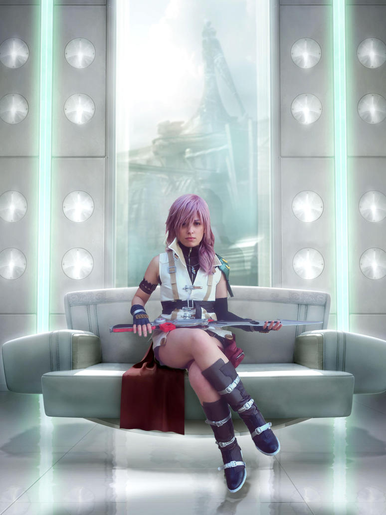 Lightning - Final Fantasy XIII by mmmhOmoshiroi