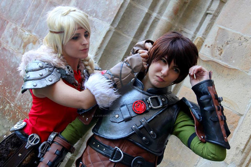 Astrid and Hiccup by LauraNikoPhantomhive