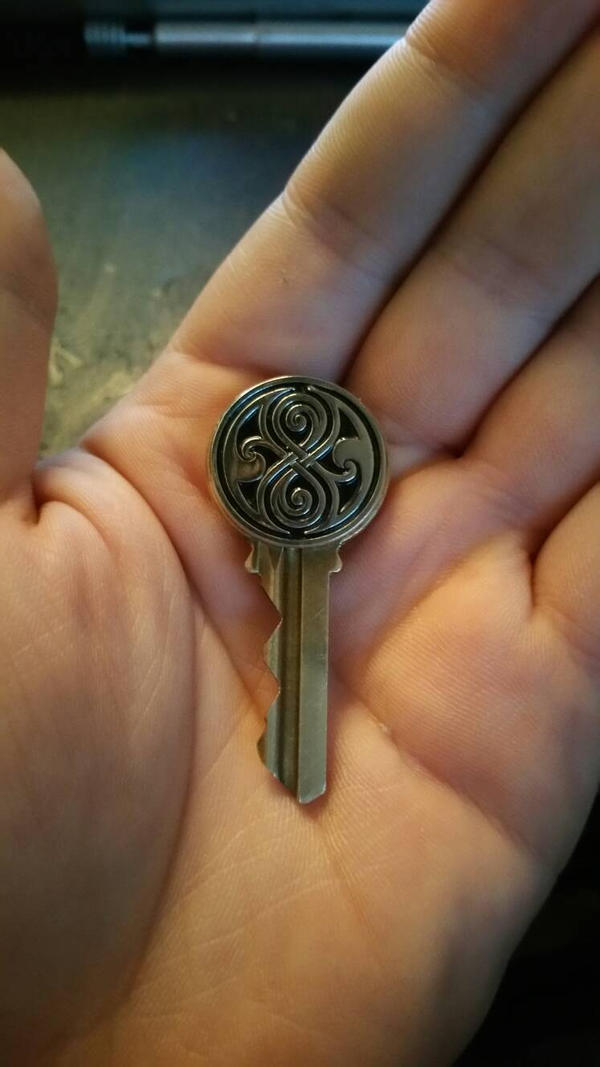 My own TARDIS key by Hordriss