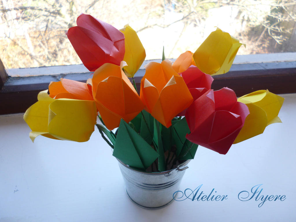 Origami tulip pot by ilyere on deviantart origami tulip pot by ilyere jeuxipadfo Image collections