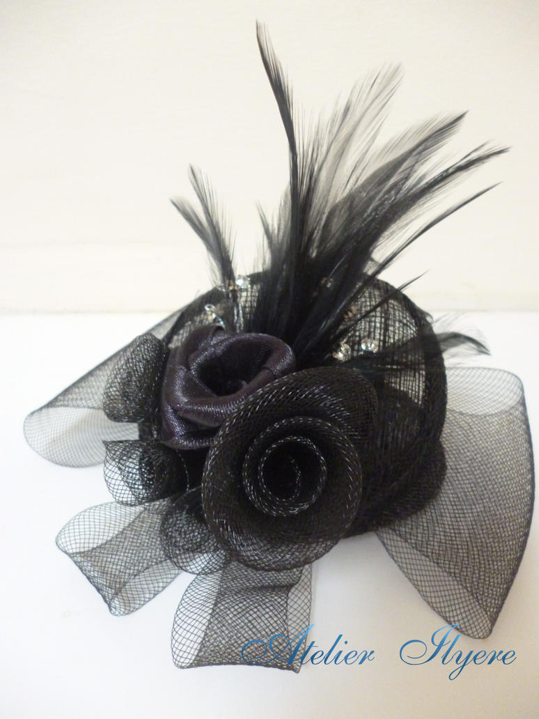 Personalised fascinator by Ilyere