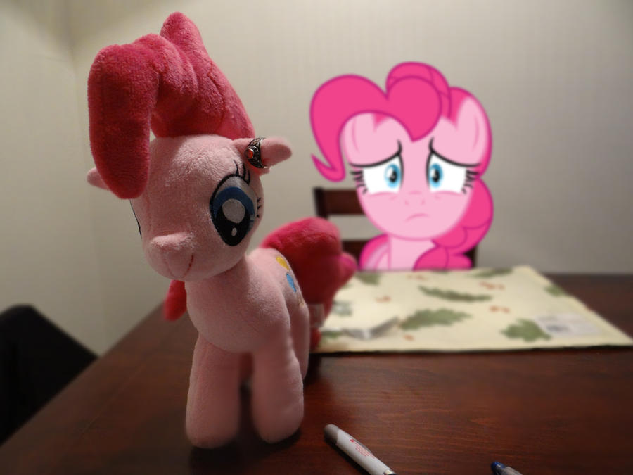 Pinkie is Concerned by EMedina13