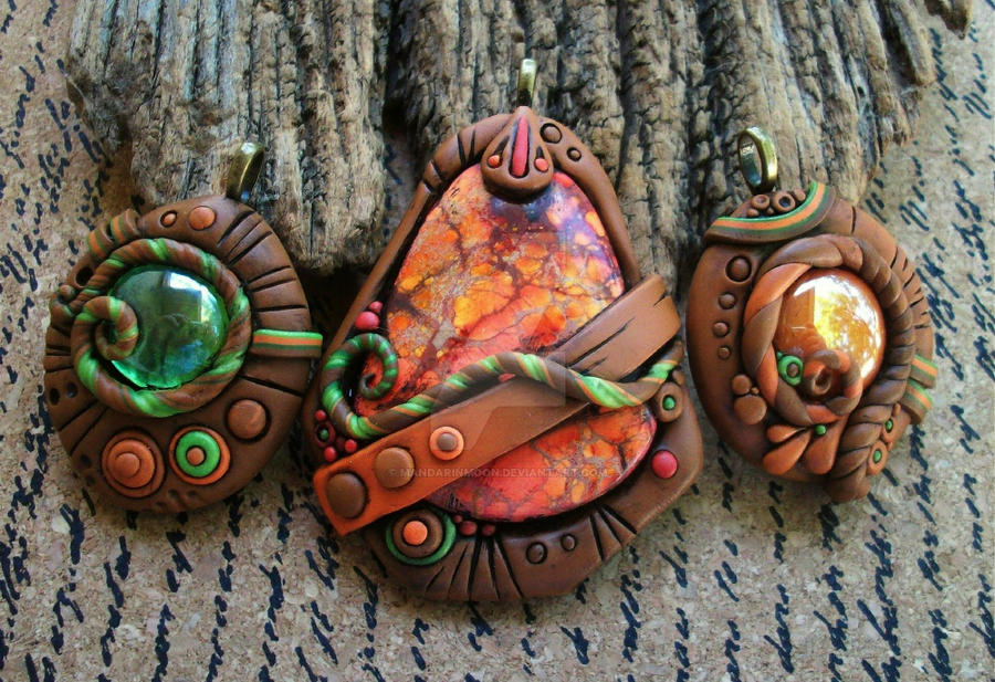 Green Terra Cotta : Terra cotta and green pendant trio by mandarinmoon on