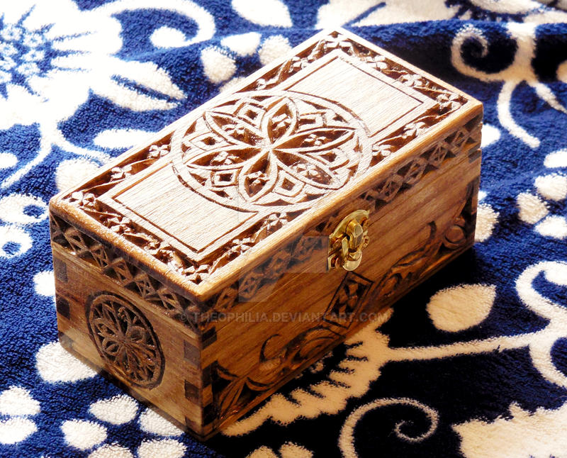 Small gothic box chip carving by theophilia on deviantart