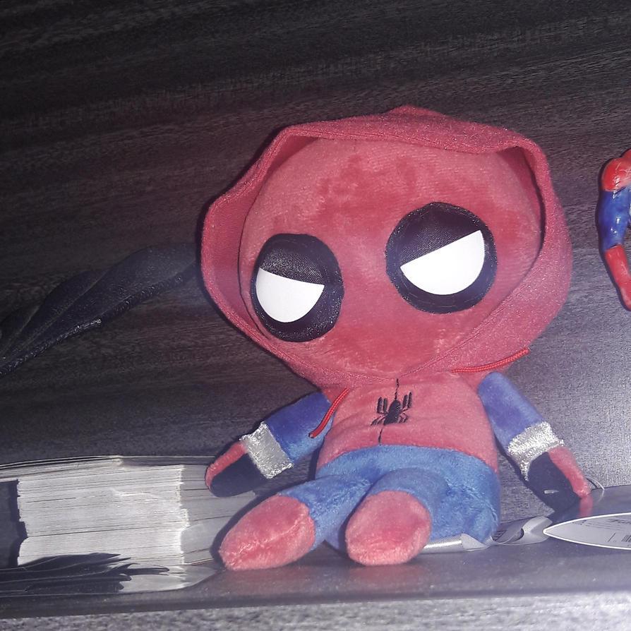 Friendly neighborhood spider man by SilverTheSerperior