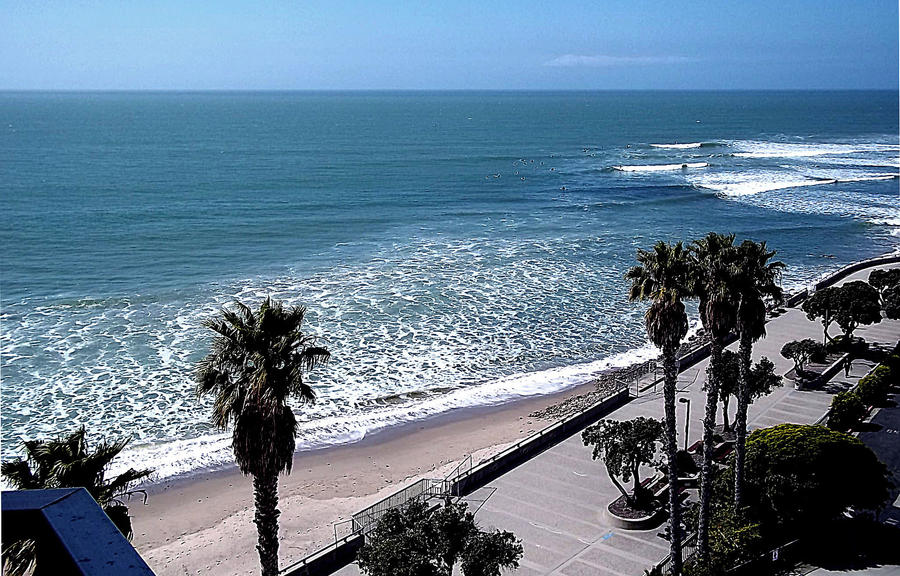 Ventura Beach Boardwalk at Surfer's Point by awesome43