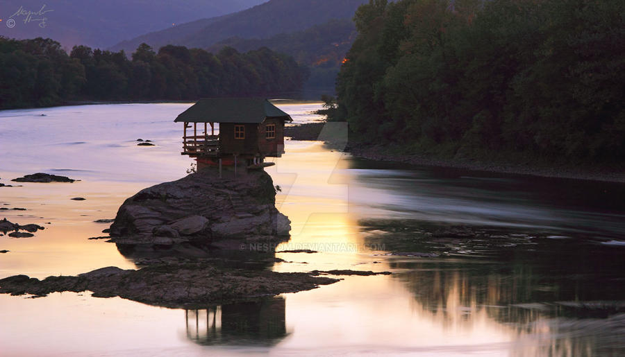 House on river by Neshom