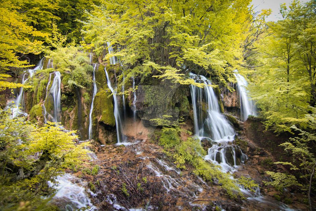 Sopotnice waterfalls by Neshom