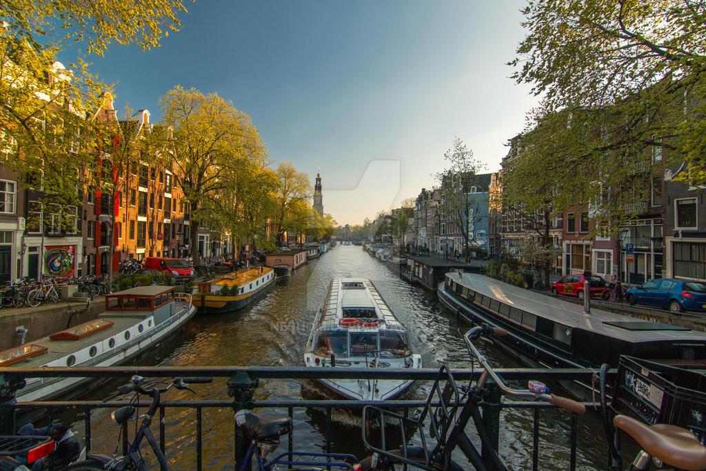 Amsterdam by Neshom