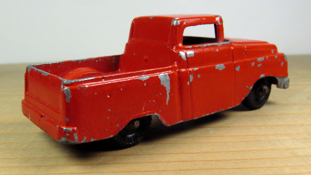 dating tootsie toys Identifying tootsietoys, a line of metal die-cast cars, trucks and assorted play toys dating back to the early 1900s, is difficult because many don't have.