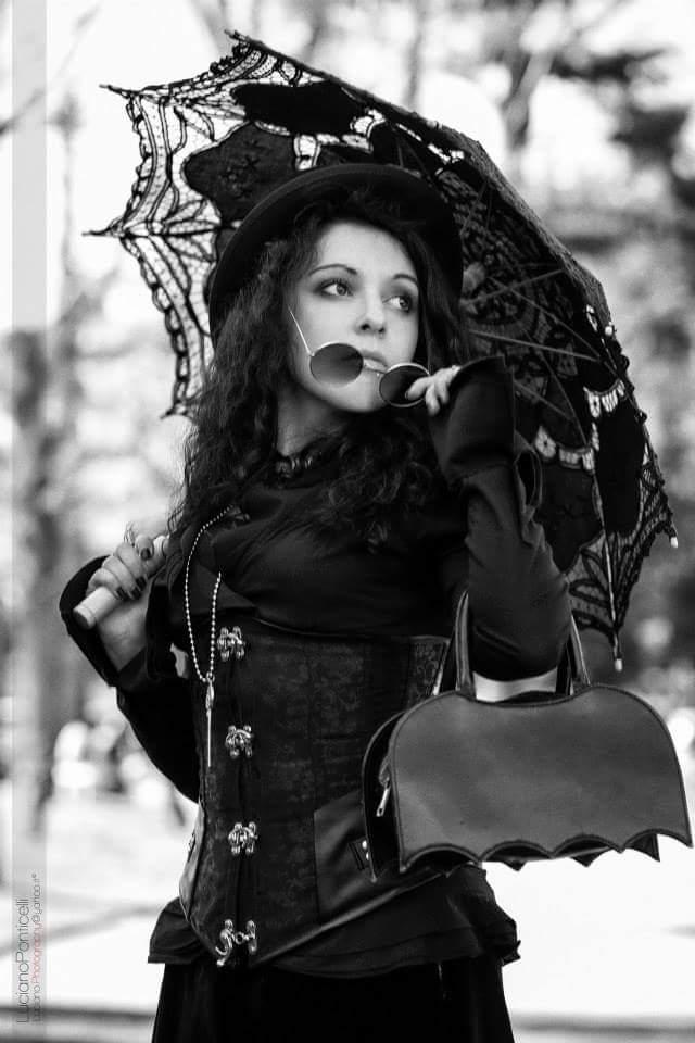 victorian goth by okikuningyo on deviantart