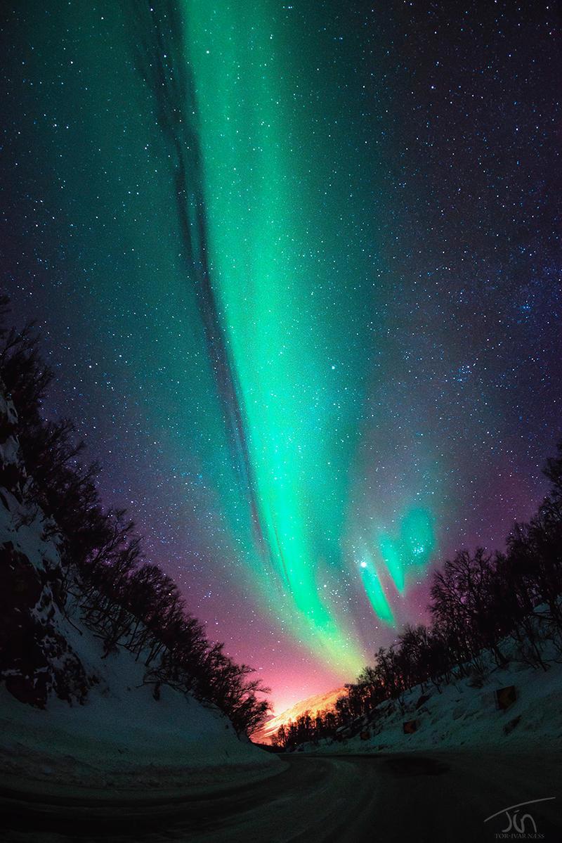 Aurora Road by torivarn