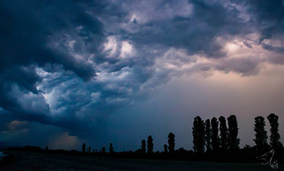 The storm is coming by lievayur