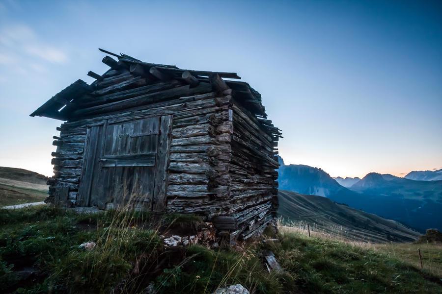 the shack by stachelpferdchen
