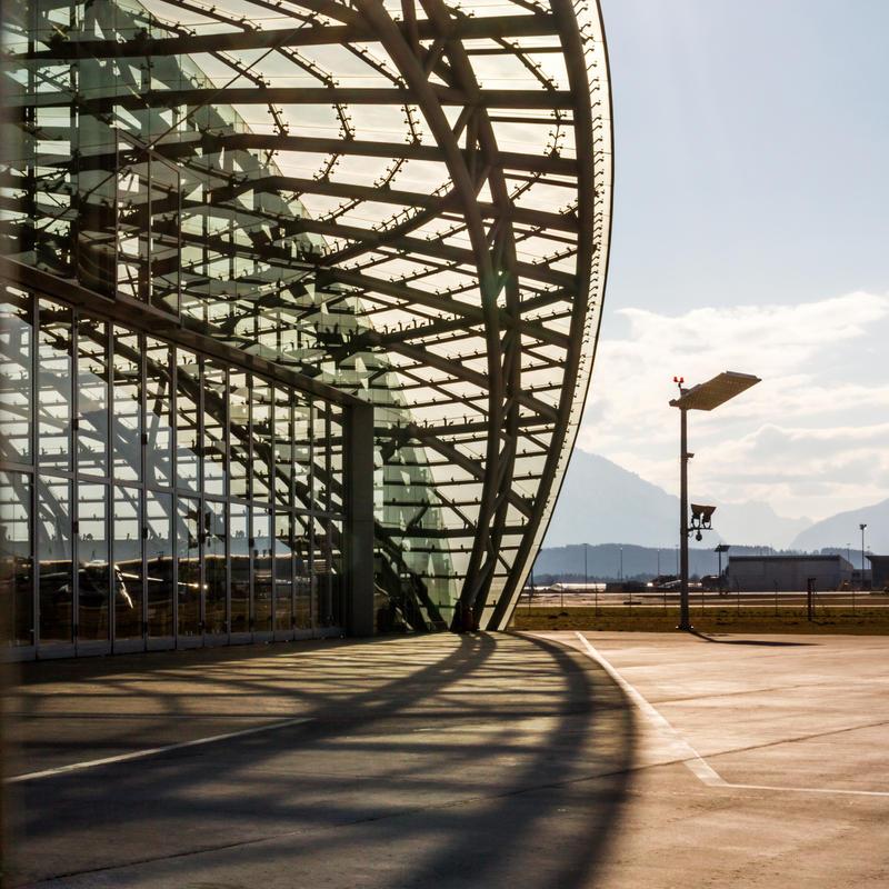 hangar-7 by stachelpferdchen
