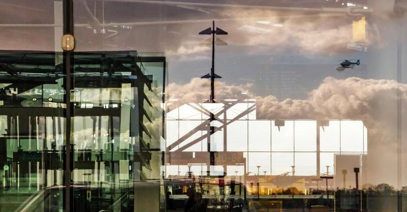 airport by stachelpferdchen