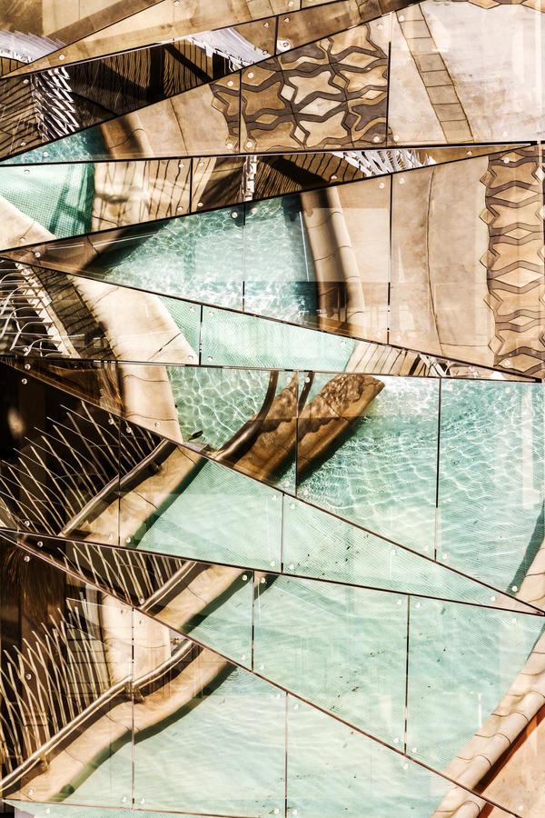 fragmented reflection III by stachelpferdchen
