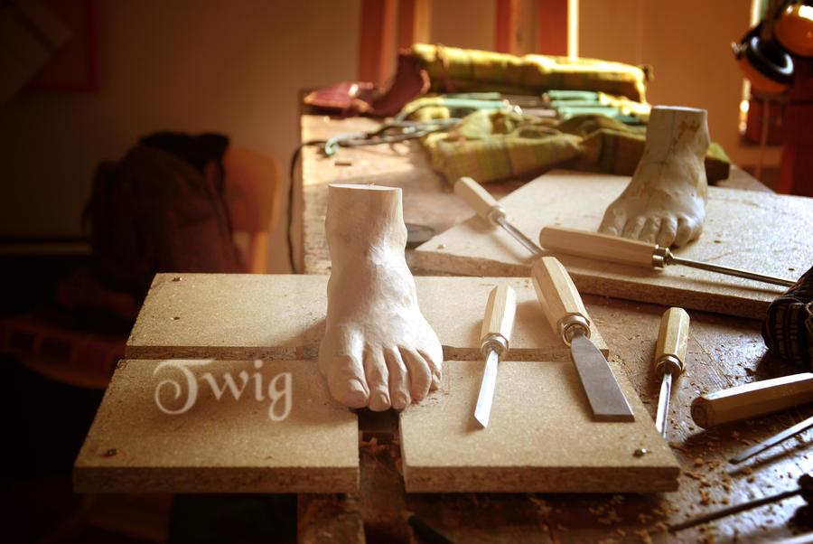 foot study by TwigsCorner