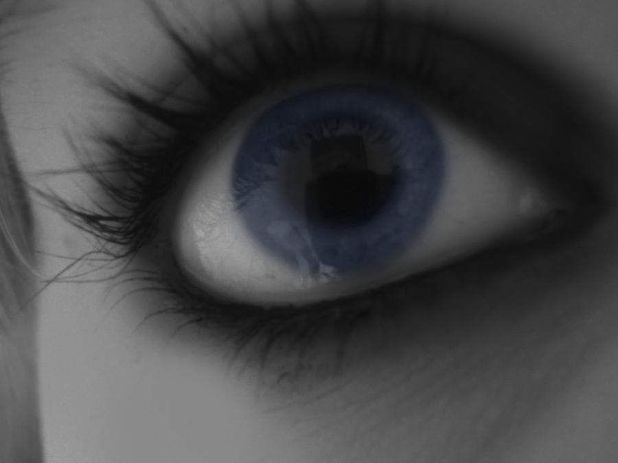 Eyes of the ocean.. by BlondieAu