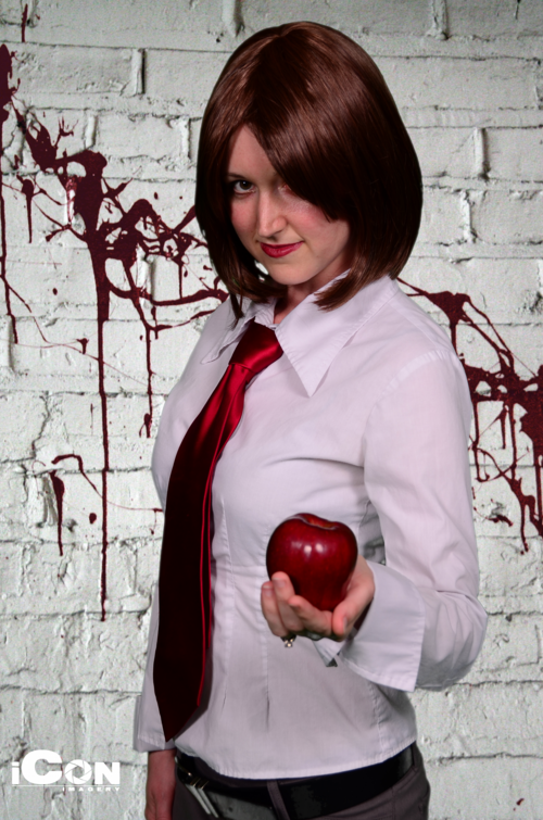 (female) Light Yagami cosplay 5 by princessofNil on DeviantArt