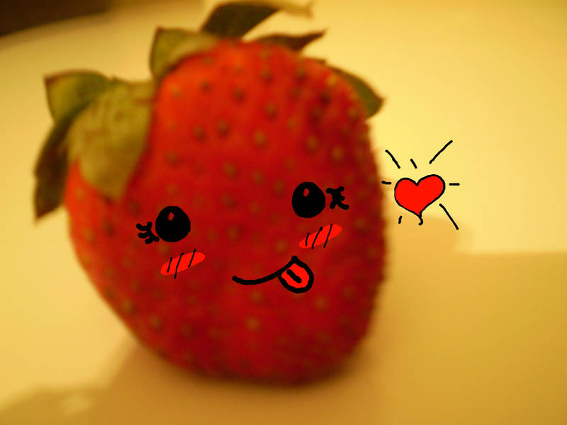 smiley strawberry by Lilylou
