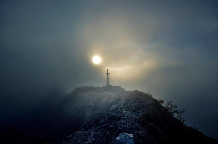 peak by CaveCanem42