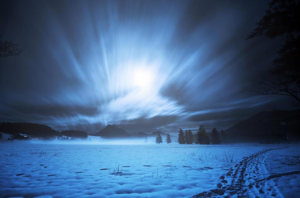 Mond Licht Nacht by CaveCanem42