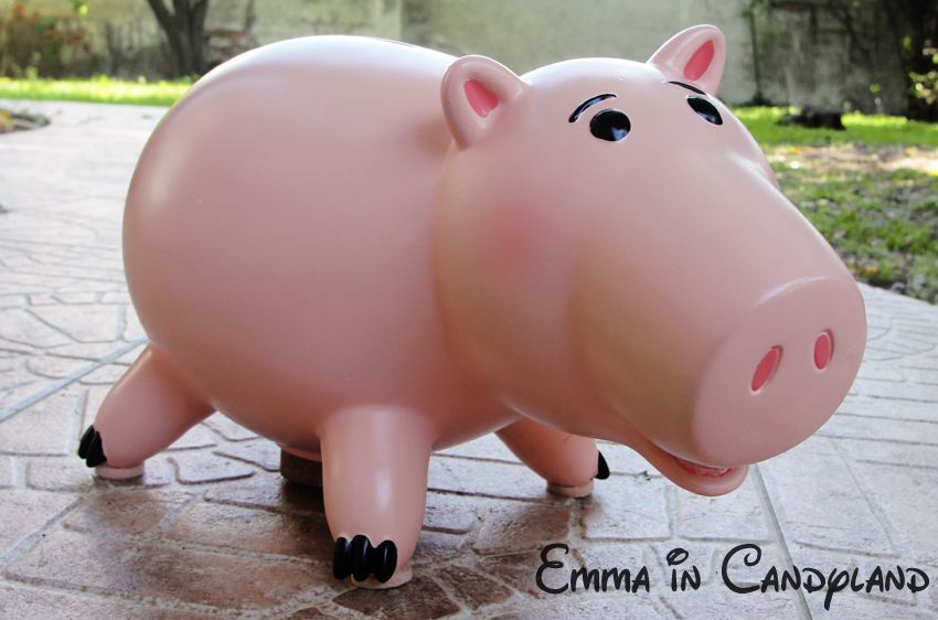 Toy Story Collection (depuis 2009) - Page 12 Hamm_the_pig_by_emma_in_candyland-d2zz90e