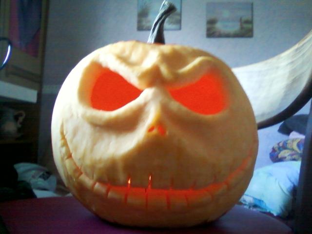 Pumpkin king - Lights on by Sleepingvelvet