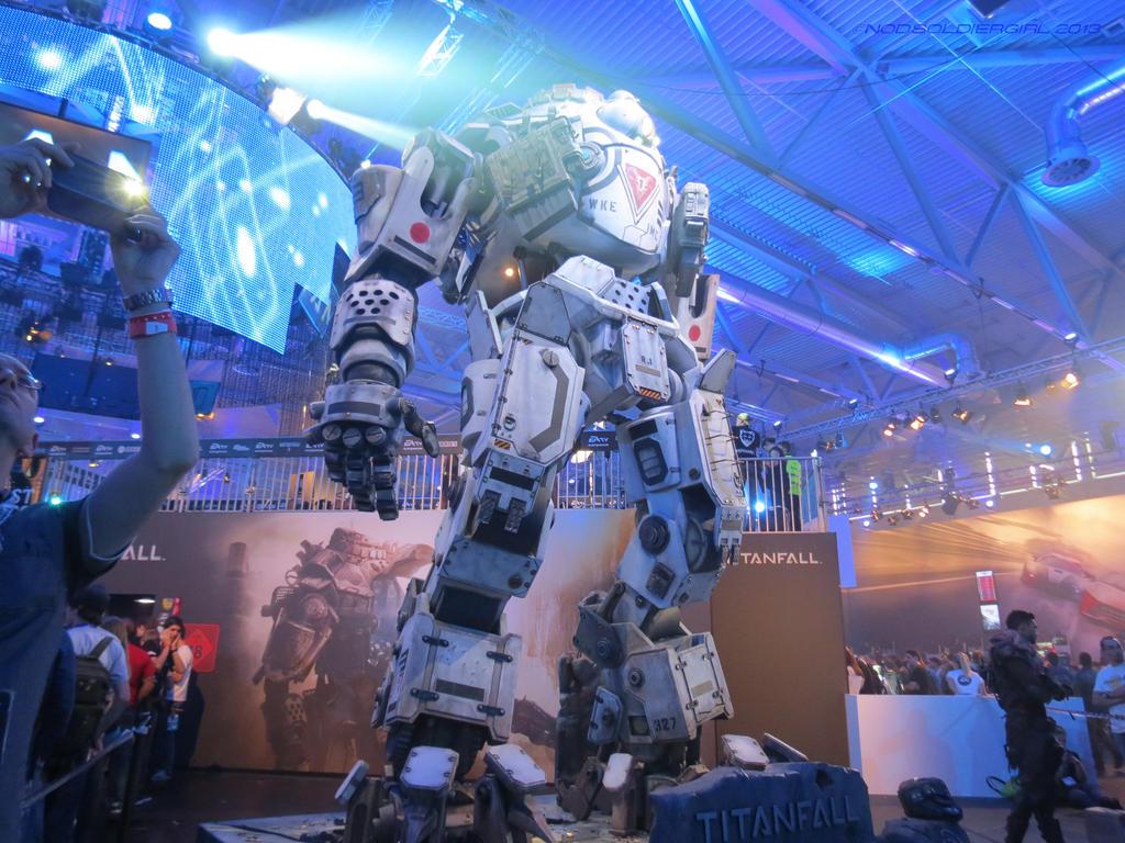 Titanfall Display 2 by NODSOLDIERGIRL