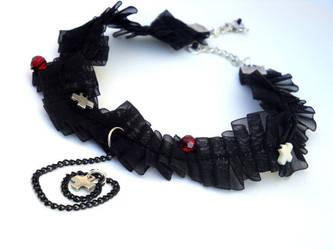 Black Gothic Lace Choker by DrywKapnobatis