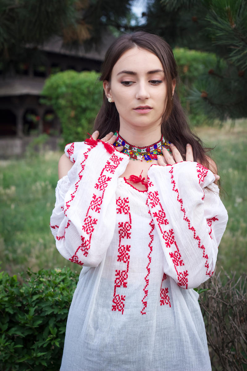 Romanian Girl by simonamoon on DeviantArt