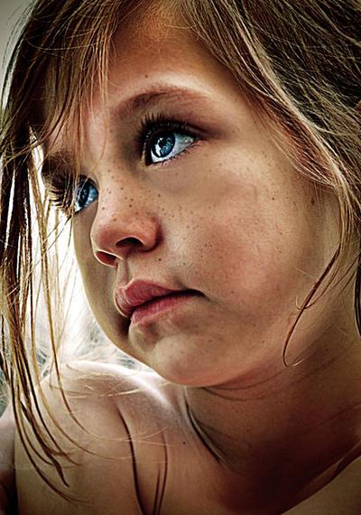 Eyes of Blue by Miztliyuma