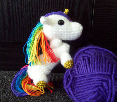 Rainbow Unicorn Amigurumi by Bonnzai