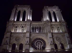 Notre Dame de Paris s nuit 2013