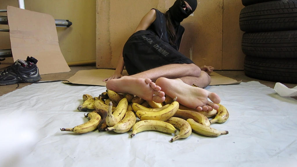 Two bananas up my fuck holes 5