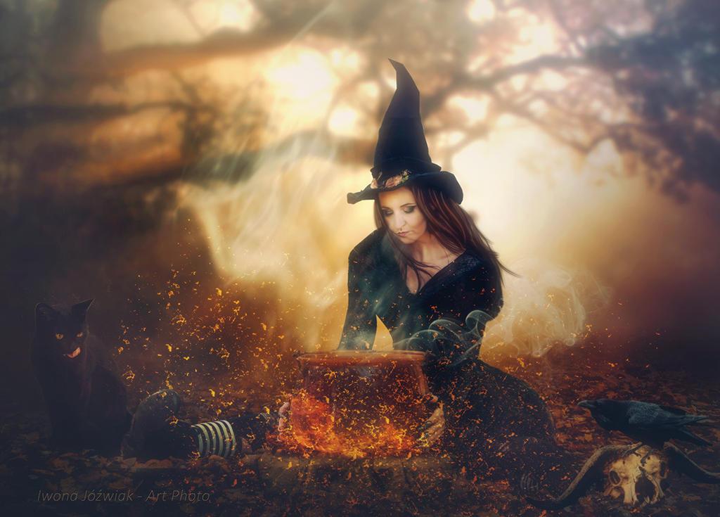 Halloween is coming... by mirandaarts