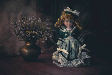 doll...