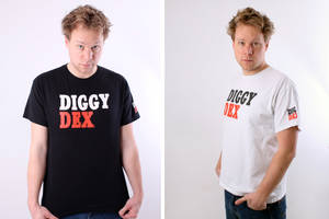 Diggy Dex happy with the Tee by DeGraafCreativity