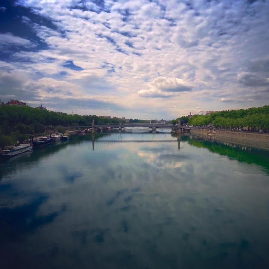 A Lyon sky by NightingaleCosplay