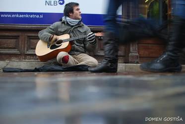Street musician by 2DoMeN2