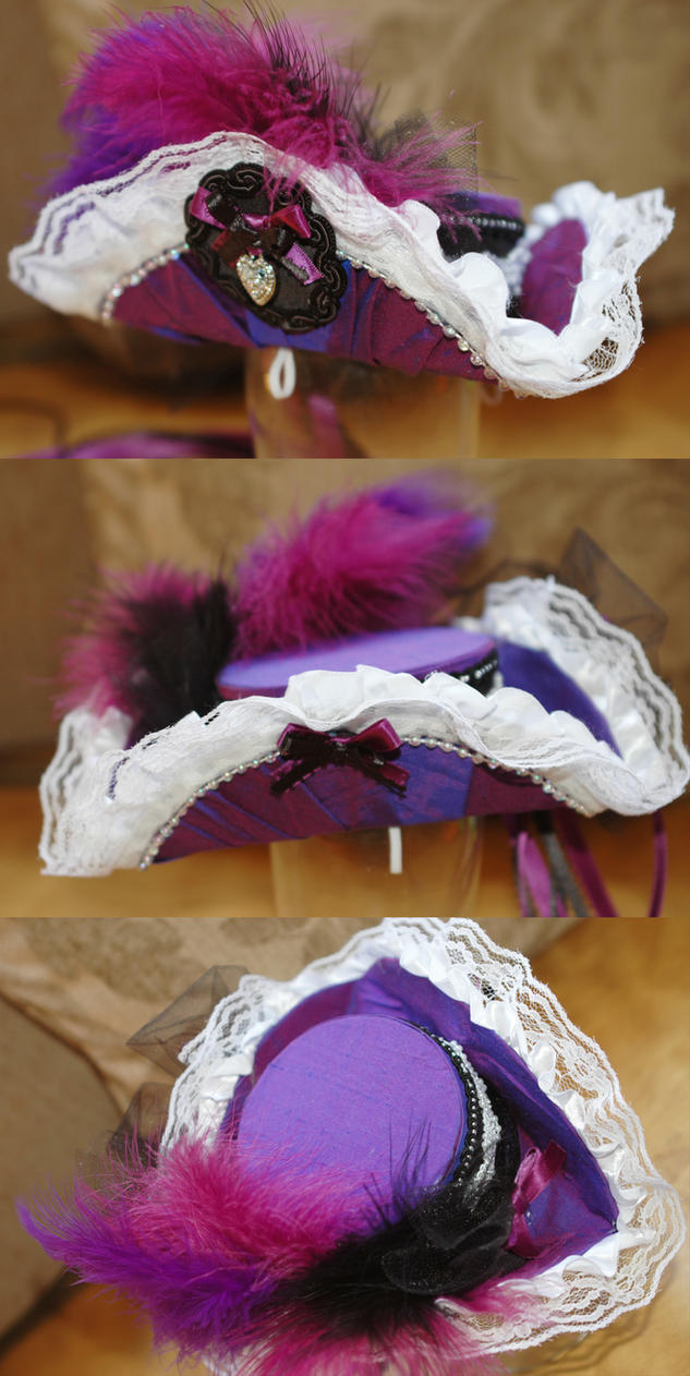Mini Tricorn Hat by NoFlutter