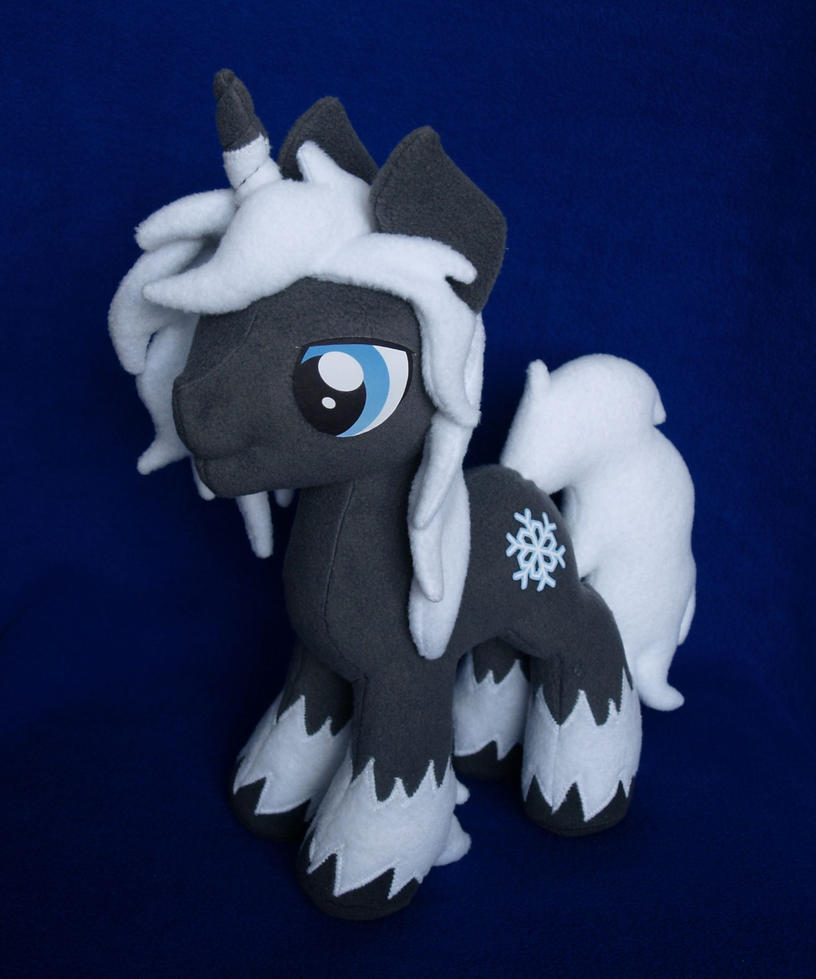 oc_icicle_night_mlp_plushie_by_adamar44-