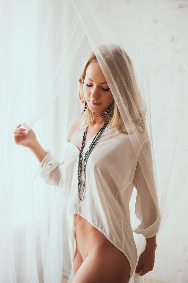 White lady by lesyakikh