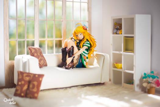 Cozy living room . Miki Hoshii