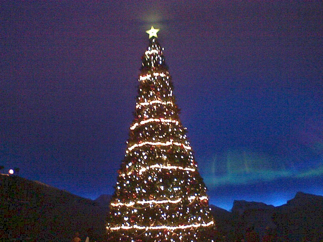 Polar Express Christmas Tree by Okitakehyate on DeviantArt