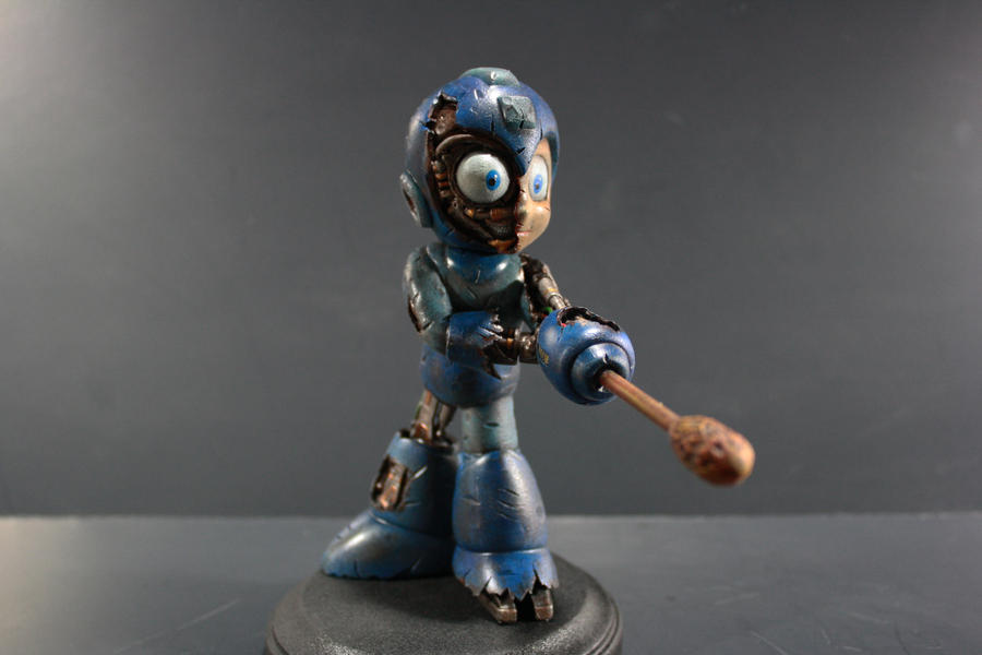 Damaged Megaman Figure by kodykoala