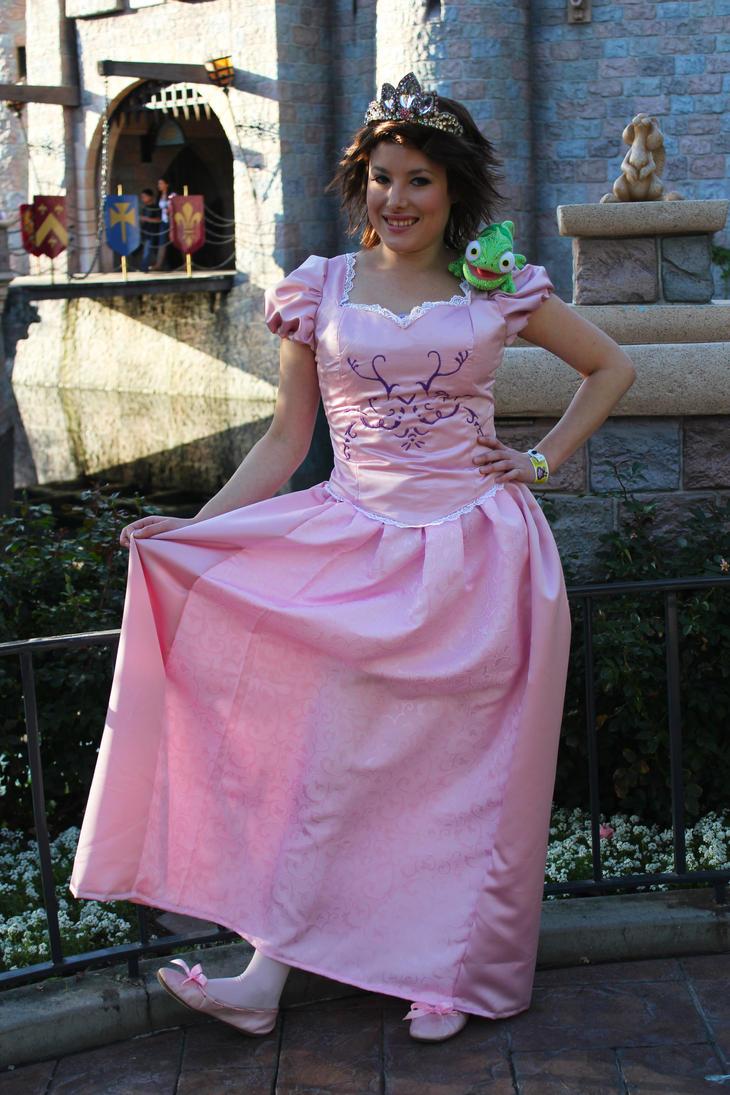 Princess Rapunzel by AuroraHermione