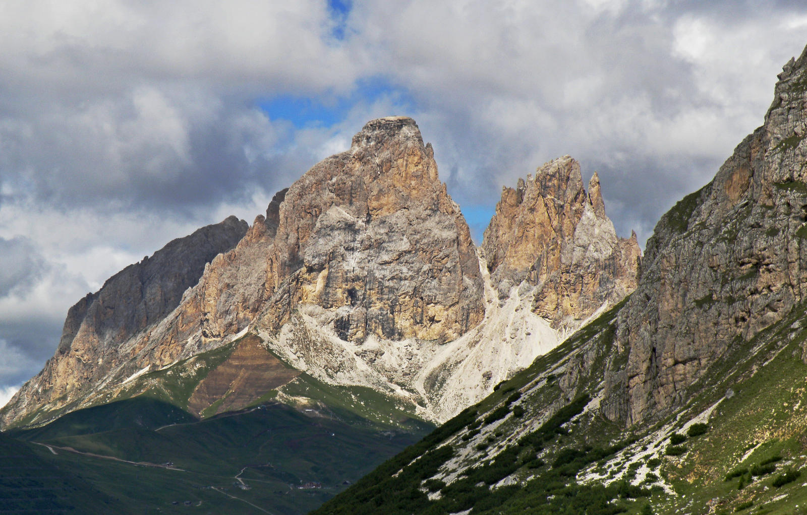 Peaks by Sergiba